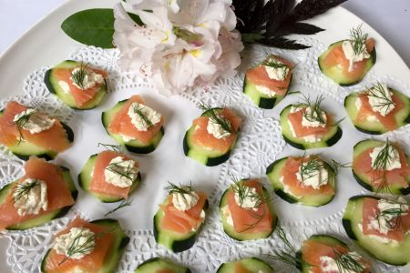 Smoked Salmon Cucumbers Crostinis